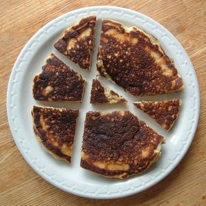 Some pancake-cutting caterer did a terrible job here, but they did use only 3 straight cuts to make 7 pieces. (Photo credit: Wikipedia)
