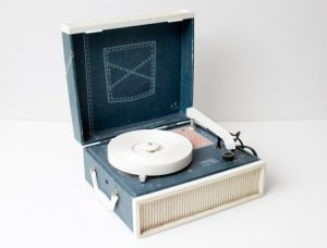 Roofpig's childhood phonograph (approximation). Source: http://whatilikeissounds.wordpress.com/2013/06/06/503/
